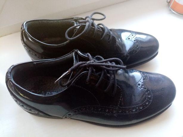 Туфельки лофери 34 розмір
