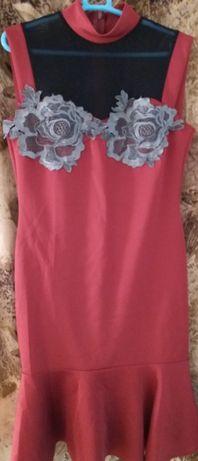 Платье нарядное с вышивкой