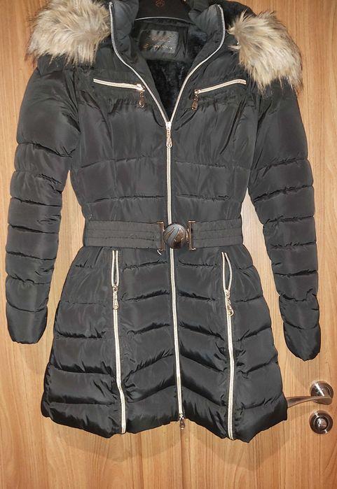 Płaszcz, kurtka, czarny, zimowy, pikowany, złote zamki, rozmiar S Bielsko-Biała - image 1
