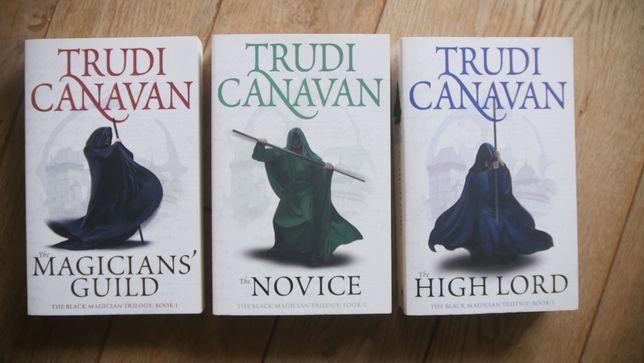 Trudi Canavan & Jo Nesbo - 7 książek w języku angielskim.