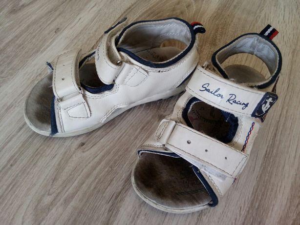 Sandałki Coccodrillo rozm. 24