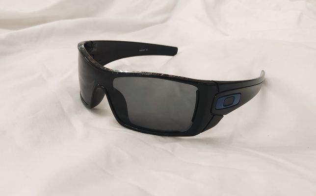 Продам очки Oakley BATWOLF 9101