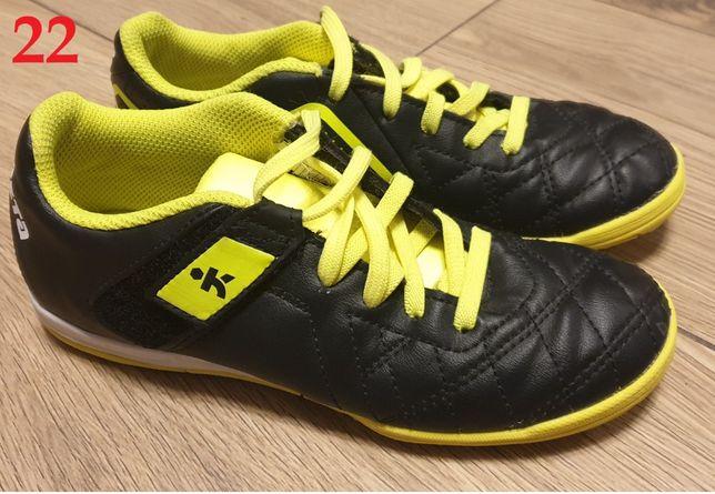 Buty do piłki nożnej Marka:Kipsta, Rozmiar: 31