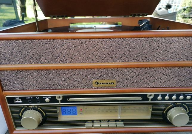 Wieża stereo w stylu retro