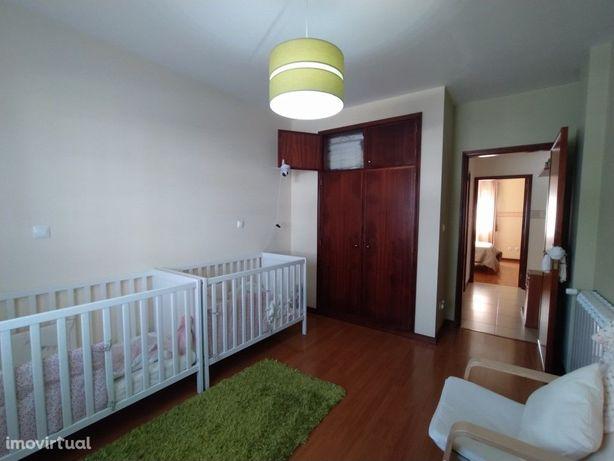 Apartamento T2 + 1 - Bunheiro