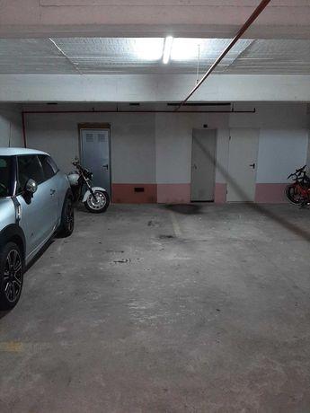 Entrada imediata estacionamento moto - Calçada Carriche - Lumiar