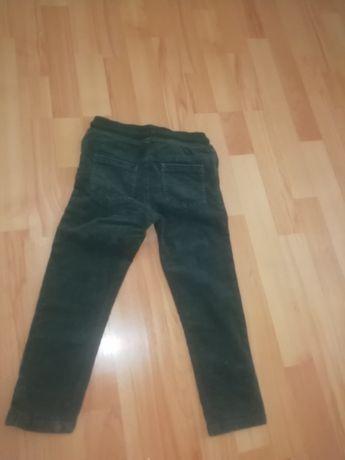 Зелёные вельветовые штанишки