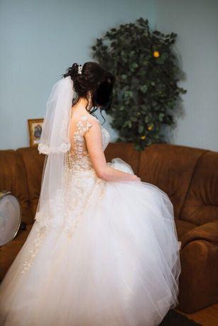 Весільне плаття ..підійде для вагітних