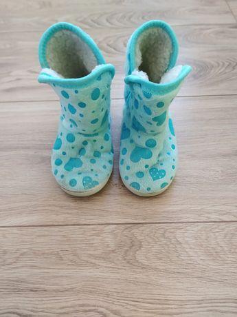 Buty papcie ciepłe wysokie 28