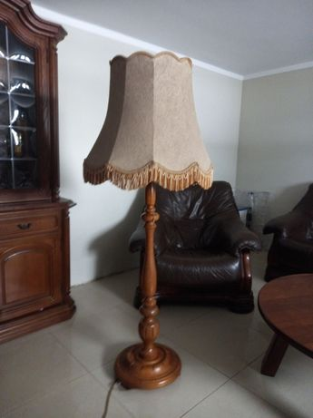 Lampy salonowe klasyczne