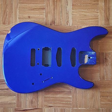 Corpo Guitarra Eléctrica Amieiro/Alder - Bom Estado, mas com mossa.