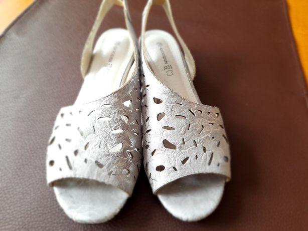 Sandałki popielato-srebrne r.39
