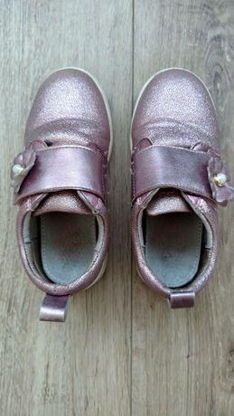 Кожаные весенние туфельки, туфли кроссовки босоножки для девочки 27 р.