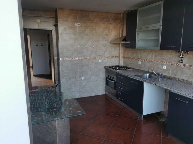 Alugo apartamento t3 remodelado forte da casa junto N10
