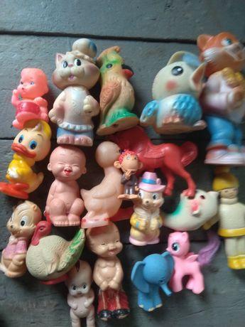 Продам одним лотом резиновые игрушки