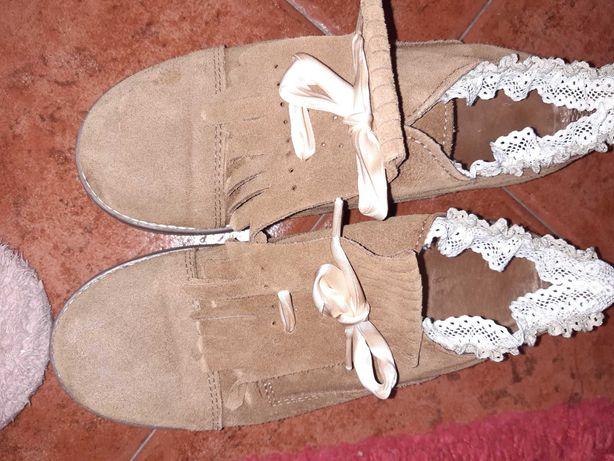 Sapatos com pouco uso