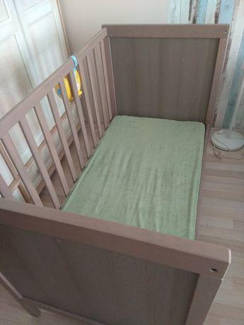 Łóżko IKEA plus materac Hevea
