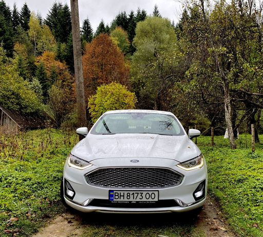 Ford Fusion Hybrid Форд Фюжен гібрид