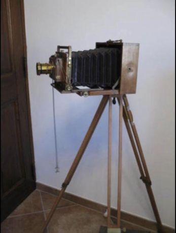 Máquina fotografia madeira antiga