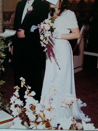 Платье свадебное со шлейфом Америка р-мер 44-46