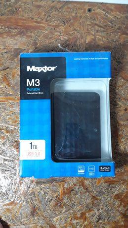 Зовнішній жорсткий диск вінчестер maxtor m3 portable 1tb