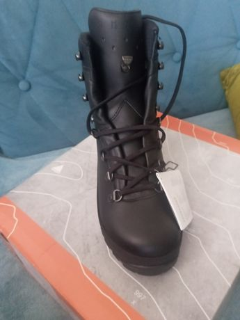 Lowa Mountain Boot GTX 43.5