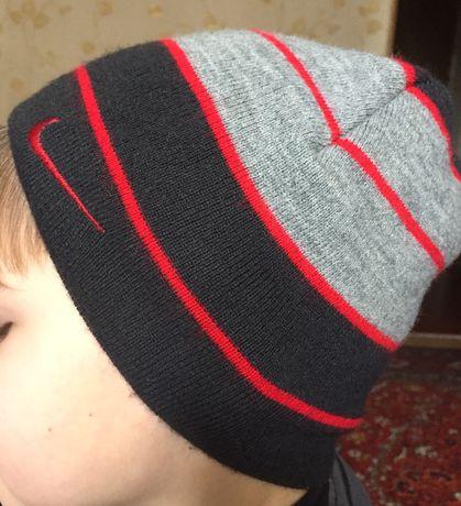 Шапочка шапка Nike демисезон полоска 4-6 лет 85грн