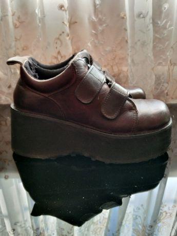 Продам туфли фирменные,кожа.