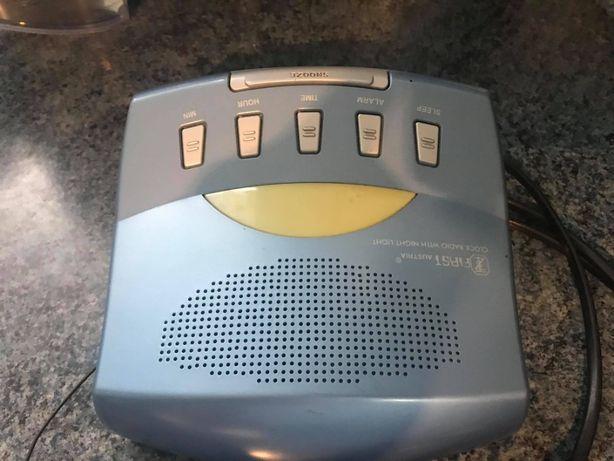 Radiobudzik z wyświetlaczem LCD First Austria