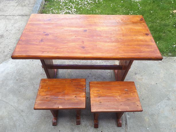 Zestaw ogrodowy drewniany. Stół ogrodowy + taborety.