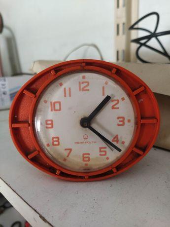 Stary zabytkowy budzik zegar mera poltik prl antyk