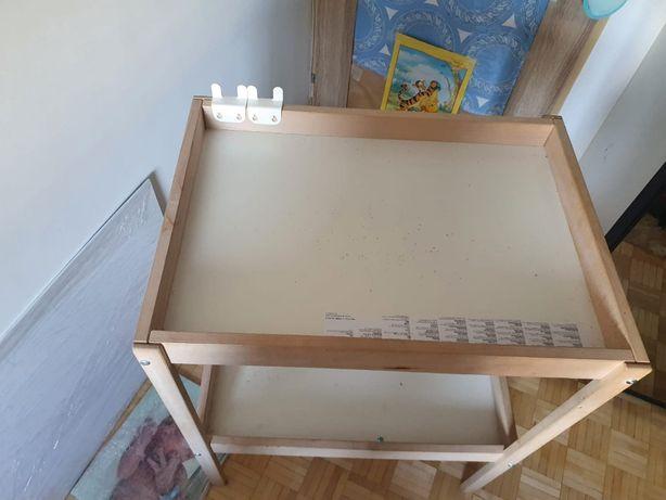 Sprzedam drewniany przewijak z Ikei