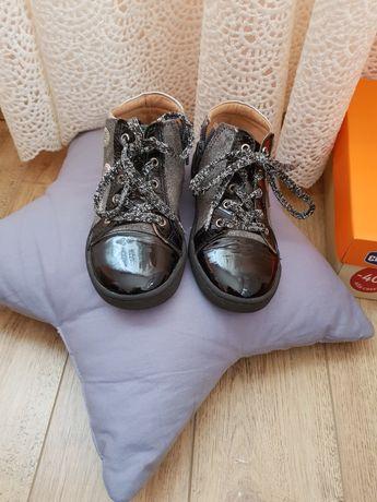 Туфельки фірми chicco 27 р