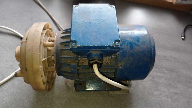 silnik pompa  besel 0,55kW 3faz