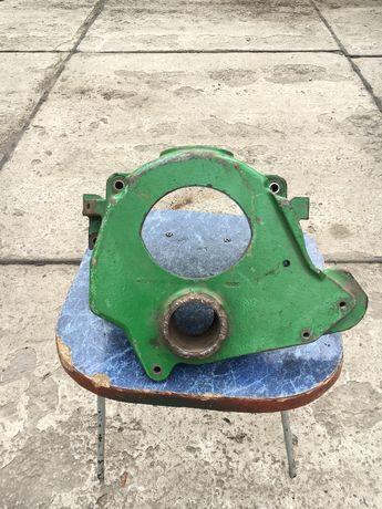 R131222Корпус вентилятора John deere оригинал США