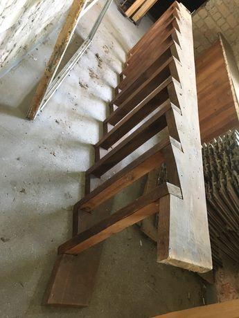 Schody budowlane, tymczasowe, strome. 3,7m