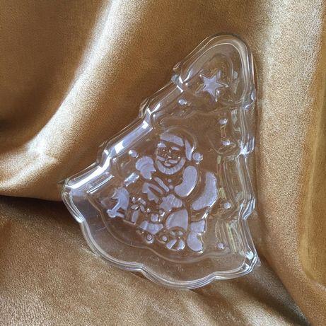 Новорічна тарілка у формі ялинки