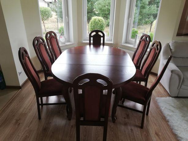 Sprzedam stół z ośmioma krzesłami