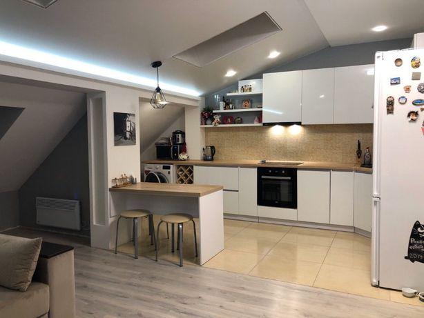 Собственники Продаем 2-х комнатную квартиру с дизайнерским ремонтом