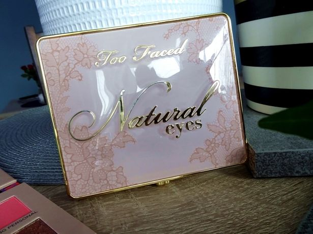paleta paletka cieni cienie Too Faced natural eyess
