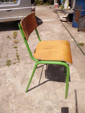 Cadeiras altas .