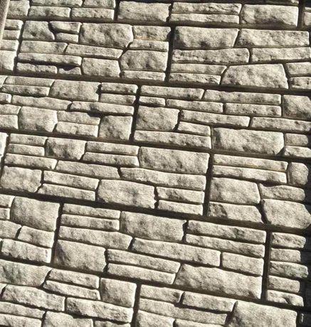 Виниловый сайдинг. Фасадная панель Stone house Сланец