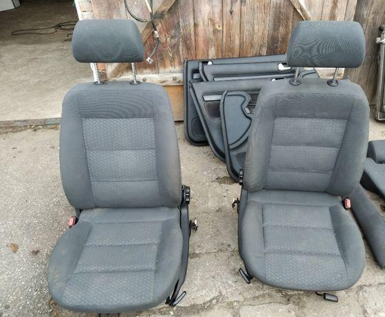 Audi a4 b5 kombi avant Fotele kanapa boczki KOMPLET Tapicerki i inne