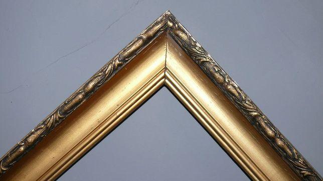 Багет (рама) для картин старинная деревянная 166 см х 168 см
