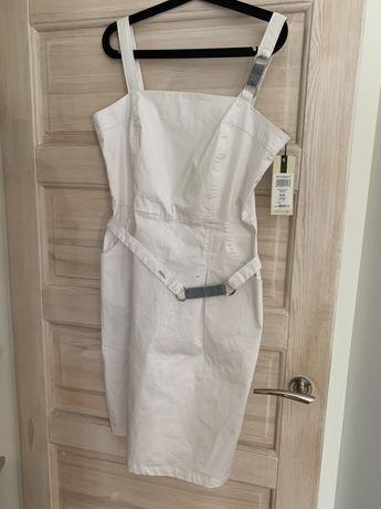 Monnari sukienka rozmiar 42 elegancka biała z paskiem marynarska
