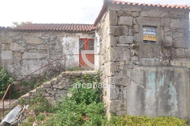 Casa em Pedra, Geminada, para restaurar em Rio de Moinhos - 36.000€