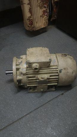 Электродвигатель асинхронный тип ДА100L4УХЛ2