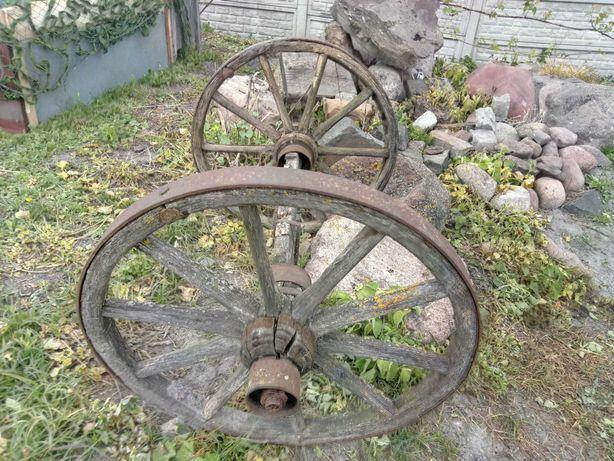 Продам деревяні колеса 60 років