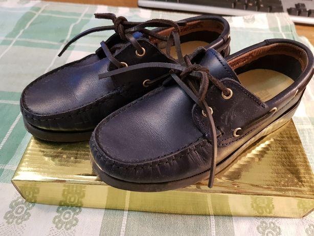 Sapatos de vela azuis