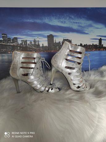 Gladiatorki sandałki srebrne